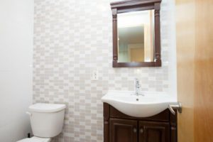 697 Park Avenue rooms for rent Bathrooms