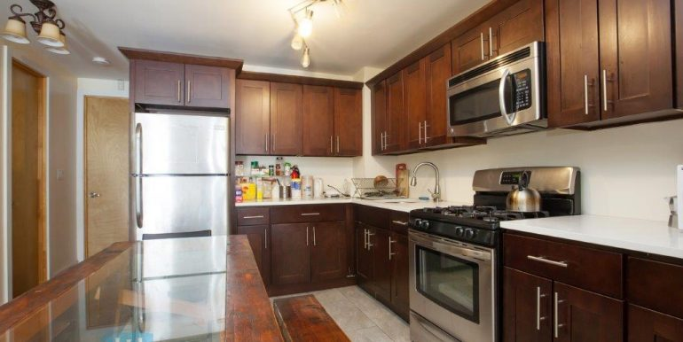 Kitchen_1W - Holiday Estates Room Rental