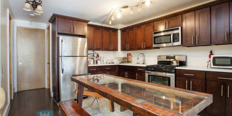 Kitchen_2W- Holiday Estates Room Rental