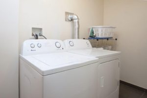 697 Park Avenue rooms for rent Laundry Room