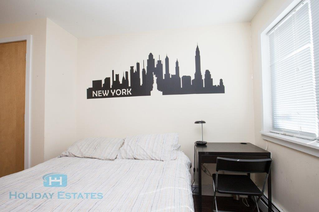 697 Park Avenue – Private Double Room