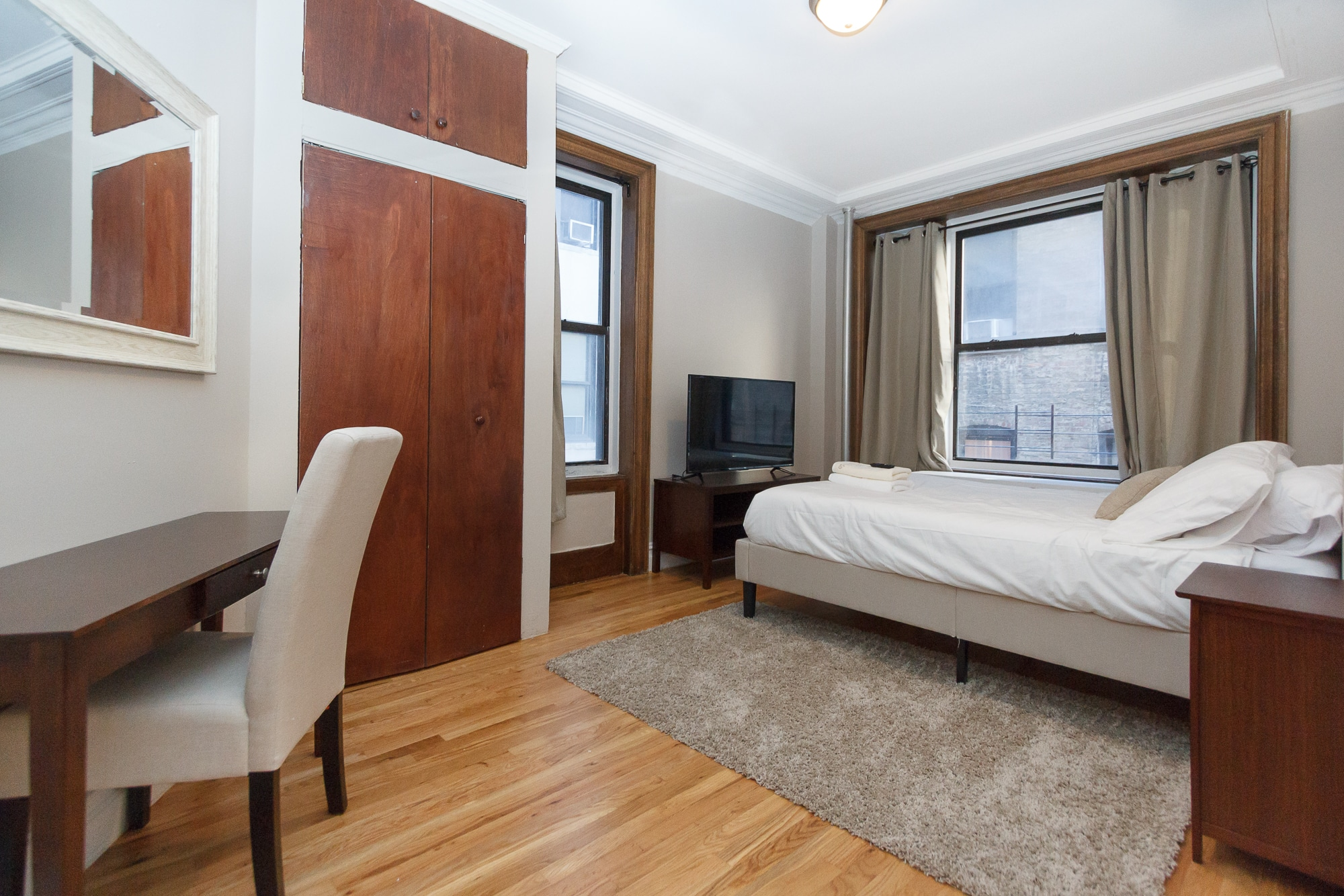730 Riverside Drive – Private Double Room