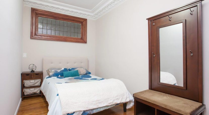1 Room with Wardrobe_1