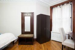 1 Room with-Wardrobe_3