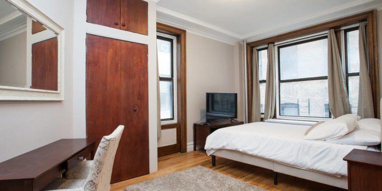 2 Room Queen Bed_1