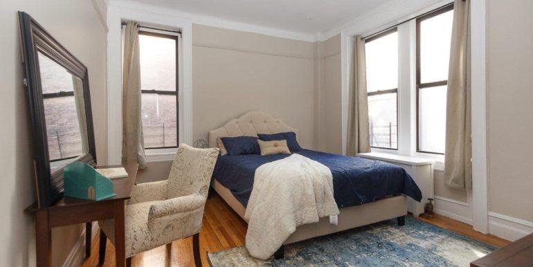 4 Room Queen Bed_3