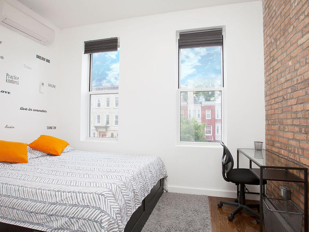 890 Jefferson Ave – Private Double Room