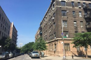 Building View Shared Apartment - Hudson Heights