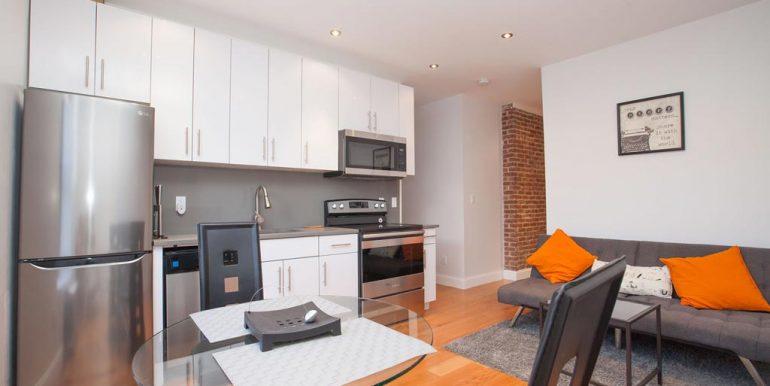 LivingRoom-185-180W-Hudson-Heights-2