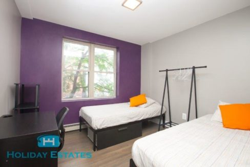 Twin Room Shared - 96 Suydam Street